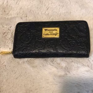 Loungefly - HK black leather wallet